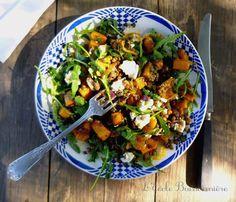 Salade de lentilles vertes, courge butternut rôtie, oignons rouges, roquette et chèvre frais