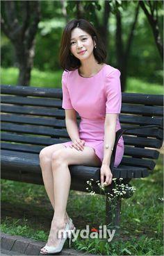 Lee Elijah Beautiful Young Lady, Beautiful Asian Women, Korean Beauty, Asian Beauty, Pretty Korean Girls, Park Min Young, Selfies, Korean Actresses, Young Fashion