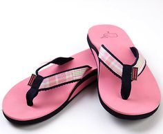 Love pink.  Love flip flops.  love these!