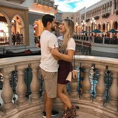 Las Vegas, Foto E Video, Relationship Goals, Digital, Couples, Instagram, Building, Travel, Married Couple Photos