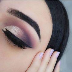 Sandy glitter eye makeup