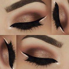 Maquillaje de ojos y cejas delineado negro y blanco