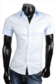 Pánská košiles krátkými rukávy.Zadní díl jezdoben aplikací lebky.