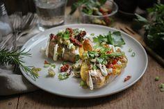 Mediterrane Ofen-Quetschkartoffeln mit Cashew-Aioli