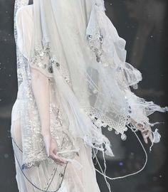 random beauty   deprincessed: Detail of John Galliano F/W 2009