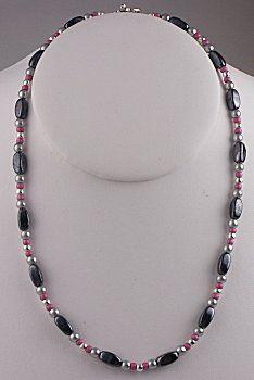 IDEA: Dusty Midnight Necklace (eebeads.com)