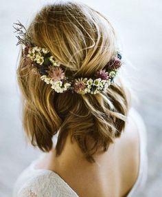 Virkelig, virkelig fin blomsterkrans lavet af @skilladflorals fra Stockholm #blomsterkrans #blomster #bryllup #bryllupsinspiration #brud #bryllupsforberedelse #weddinghair #bridalinspiration #bridalhair #flowers #floraldesign #flowerwreath #bride #bridetobe #coolbride #nordicwedding