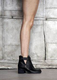 Love these for their minimalism and simplicity. Ankle shoe boots, barely visible details.