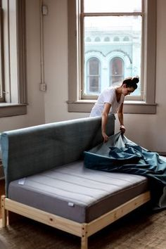Twin single mattress sofa … diy twin DIY Ikea Hacks : 5 Easy Steps to Make your Own Ikea Couch — Treasures & Travels Diy Sofa, Diy Daybed, Twin Bed Couch, Ikea Twin Bed, Twin Beds, Daybed Couch, Upholster Couch, Recover Couch, Ikea Beds