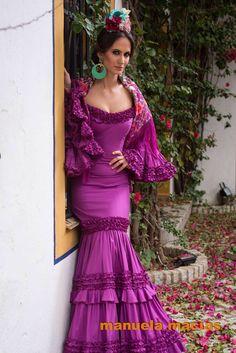 spanish style homes las vegas Flamenco Costume, Flamenco Dancers, Flamenco Dresses, Dance Dresses, Spanish Dress, Spanish Style, Spanish Dance, Boho Fashion, Fashion Beauty