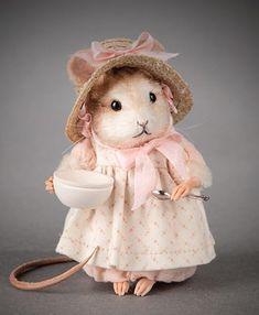 R John Wright Mother Goose Series Little Miss Muffet  {new}