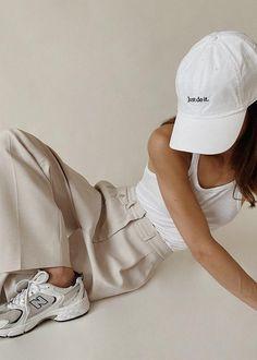 Look Fashion, Fashion Outfits, Womens Fashion, Rave Outfits, Nb Sneakers, Estilo Harajuku, Magazine Mode, Paris Mode, Neutral Outfit