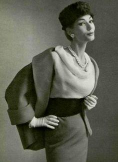 Simone D'Aillencourt in Jean Patou, 1958