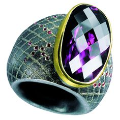 atelier Zobel silver, 22 K gold, platinum amethyst 75.05 ct pink diamonds 0.525 ct