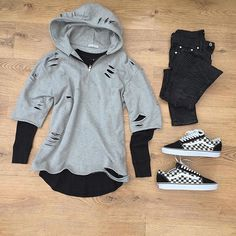 or: #WDYWTgrid by @kylescropper #mensfashion #outfit #ootd : #PagesLondon #SubmissionLDN : #Representclo : #Vans #WDYWT for on-feet photos #WDYWTgrid for outfit lay down photos •