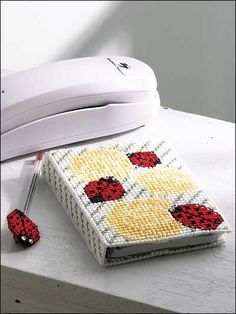 Ladybug Dreams Journal free plastic canvas pattern of the day from freepatterns.com 8/20/13