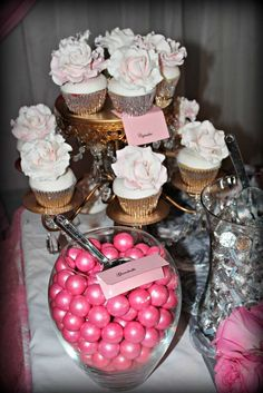 It& A Girl& Pink and silver Baby Shower Party Ideas Baby Shower Sweets, Baby Shower Parties, Shower Party, Girls Party Decorations, Baby Shower Decorations, Princess Sweet 16, Baby Shower Wishes, Donut Birthday Parties, Dessert Stand