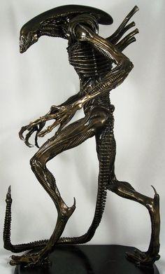 Metal Statues | Why is Scrap Metal Art gaining immense popularity?