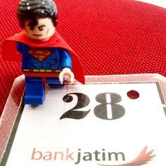 have a SUPER monday!! #lego #legostagram #legominifigures #legophotography #legomania #legophoto #legofans #legodc #legodcsuperheroes #legodccomics #legosuperman #brick #brickstagram #bricksphotography #toystagram #toysphotography #toysaremydrug #minifig #minifigure #superman #superheroes #dccomics #bank #jatim #bankjatim by lukaswebisono