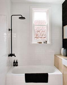 baño en blanco y negro, siempre elegante.
