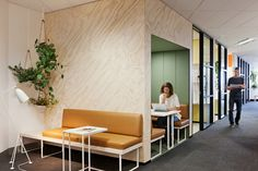 Unispace designed the offices for management consulting firm, Nous Group, located in Sydney, Australia. Mi casa es su casa (my house is your house): the principle behind Nous Group's decision…