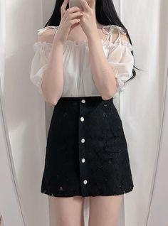 Korean Fashion Dress, Ulzzang Fashion, Kpop Fashion Outfits, Girls Fashion Clothes, Mode Outfits, Asian Fashion, Korean Casual Outfits, Cute Casual Outfits, Stylish Outfits