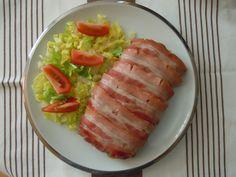 PASTEL DE CARNE Y BACON AL MICROONDAS: http://palvientretodoloqueentre.blogspot.com.es/2014/06/pastel-de-carne-y-bacon-al-microondas.html