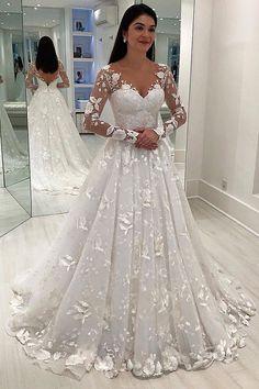 designer wedding dress Designer Brautkleid A linie - weddingdress Wedding Dress Train, Wedding Dress Sleeves, Princess Wedding Dresses, Long Wedding Dresses, Tulle Wedding, Designer Wedding Dresses, Bridal Dresses, Mermaid Wedding, Boho Wedding