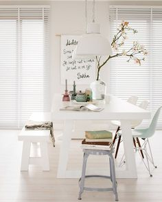 Chic white dining room with picnic style table Dining Room Inspiration, Interior Inspiration, White Rooms, White Walls, Style At Home, Deco Design, Design Design, Design Ideas, Home And Deco