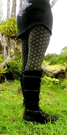 Extra Small - Black and Gold Flower of Life Yoga Pants - Leggings - Dance - Leggings - Seed of Life on Etsy, $55.00