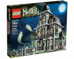 OMG.  A LEGO haunted house, complete with mini figure vampires & zombie?  Must.  Have.