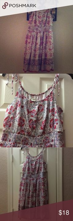 American Eagle Floral Spring Dress Perfect for spring. Multi color floral dress in excellent worn condition! American Eagle Outfitters Dresses Midi