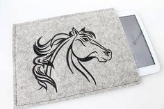 Ipad, Samsung Tablet Schutzhülle für  für 9,7 - 10,1 zol, bestickt, Wollfilz, Filz mit Motivdruck Pferd von Schrejderiha auf Etsy