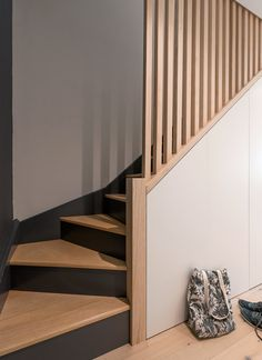 House Staircase, Staircase Remodel, Stairs, Small Apartment Design, Small Apartments, Home Renovation, Home Remodeling, Stair Paneling, Hallway Inspiration