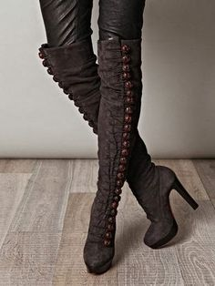 My Style:  Dark brown winter #boots.