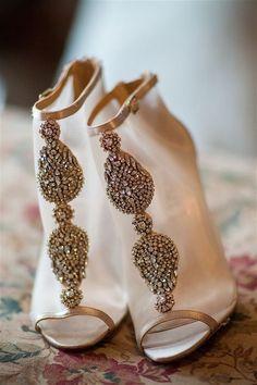 Unique wedding shoes | wedding | | wedding shoes | | bridal shoes | #wedding #weddingshoes https://www.starlettadesigns.com/