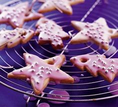 Prefect biscuits for hanging from the Christmas tree or as end-of-term gifts for teachers and friends from BBC Good Food.
