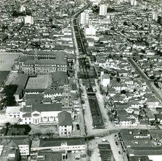 Obras do Metro entre as estações Santa Cruz e Praça da Árvore na década de 70…