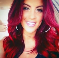 Love..the color of her hair. Redd hair && brown eyes looks amazing together! I wanna go back to bright red but I do love my black hair<3<3