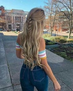 43 Amazing and Easy Hairstyles for Different Length Hair for Any Occasion Add some shiny hairpins to your styling to add luster to your styling. Split your hair in the middle with a comb, squirt it out,… Cute Hairstyles, Braided Hairstyles, Amazing Hairstyles, Hairstyles For Summer, Hairstyles For Women, Beach Hairstyles, Teenage Hairstyles, Fashion Hairstyles, Hairstyles Videos