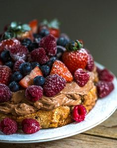 Sprø nøttebunn med super luftig sjokoladekrem - Franciskas Vakre Verden Pudding Desserts, Let Them Eat Cake, Amazing Cakes, Food Inspiration, Chocolate Cake, Baked Goods, Cake Recipes, Cake Decorating, Deserts