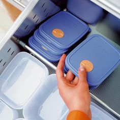 With ORGA-LINE Tupperware storage, the search for the right tupperware lid is over, using Blum kitchen drawer dividers you can easily organise tupperware Tupperware Storage, Tupperware Organizing, Kitchen Drawer Dividers, Kitchen Cupboards, Storage Sets, Kitchen Cabinets, Farmhouse Kitchen Drawer Organizers, Kitchen Base Cabinets