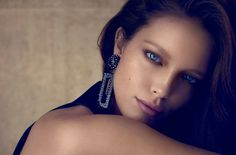 emily-didonato-by-miguel-reveriego-for-vogue-spain-august-2013