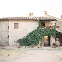 Photography : Feather and Stone Read More on SMP: http://www.stylemepretty.com/living/2013/10/03/tuscany-italy-with-feather-stone-photography/