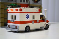 Lego Ambulance, Lego Hospital, Lego Fire, Lego Truck, Lego Boards, Amazing Lego Creations, Matchbox Cars, Lego Projects, Lego Technic