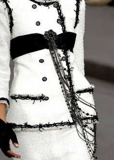 Beautiful and iconic black and white Chanel....beautiful trimmings...