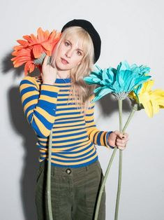 a picture of hayley every day ~ [main: seenothinginthelight] *do not interact if you do not respect hayley or women in general* Hayley Williams Blonde, Hayley Williams Style, Paramore Hayley Williams, Taylor York, What To Draw, Favorite Person, Marry Me, Music Is Life, Amazing Women