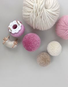 Reusable Plastic Multi-Size Wool Pom Pom MakerMake Your Own Wool Pom Poms