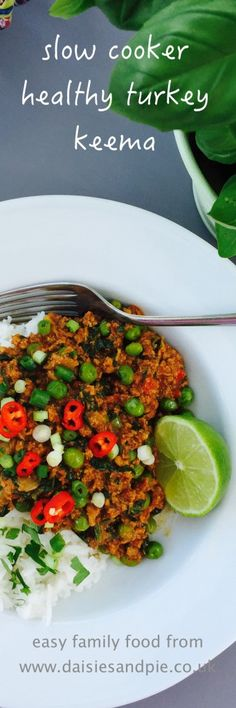 Slow cooker turkey keema | Totally delicious healthy slow cooker curry made with turkey mince and perfect for feeding a family - really easy recipe and tastes awesome | Daisies & Pie