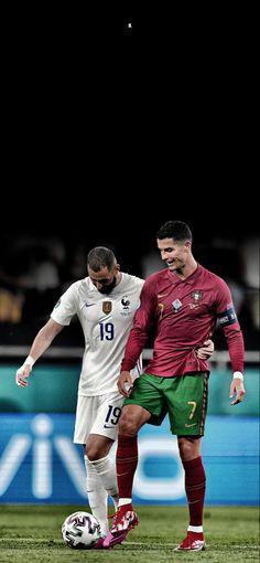 Cristiano Ronaldo Style, Cr7 Ronaldo, Fc Barcelona Wallpapers, Madrid Wallpaper, Real Madrid Team, Ronaldo Real Madrid, Ronaldo Football, Football Players, Football Soccer